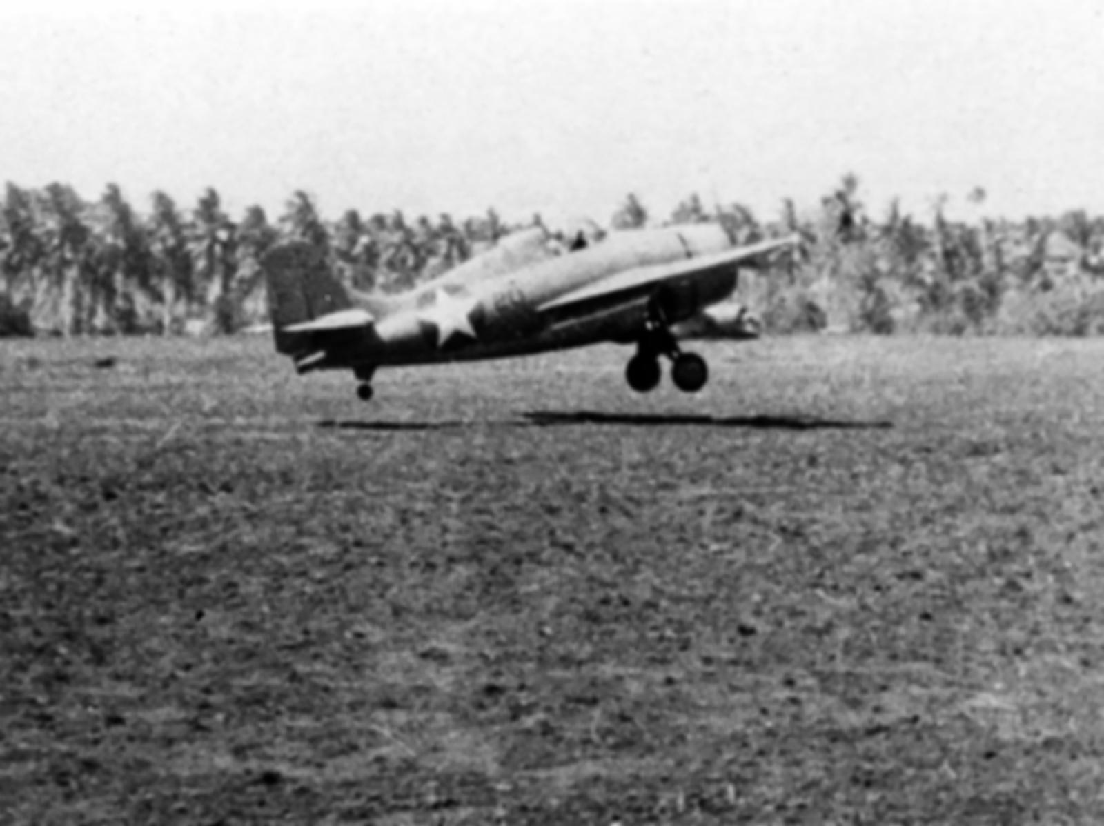 Grumman F4F 3 Wildcat VMF 121 Black 20 landing Henderson Field Guadalcanal 1942 01