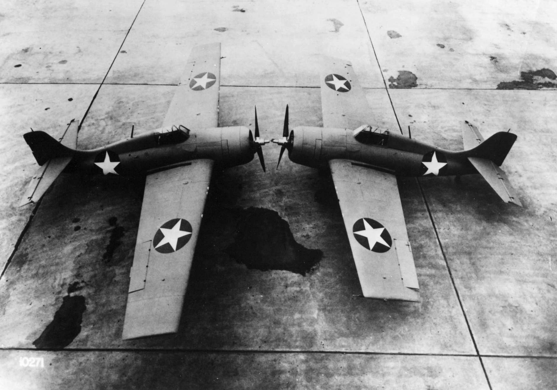 Grumman F4F 3 Wildcat with experimental wing extension 01