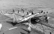 Asisbiz FM 2 Wildcat White M19 from USS Stable during barrier crash 1944 01