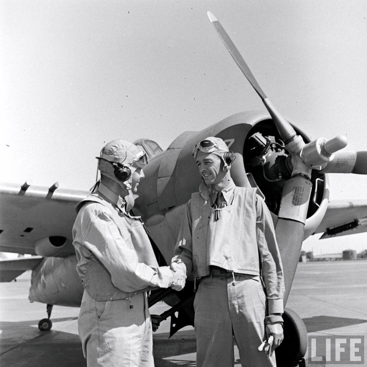 Aircrew Lt Edward 'Butch' O'Hare and Lt Cmd Thach VF 3 April 1942 02