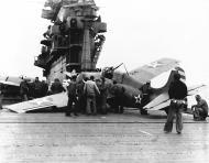 Asisbiz Grumman F4F 3 Wildcat VF 6 Black F24 landing mishap CV 6 USS Enterprise 1942 01