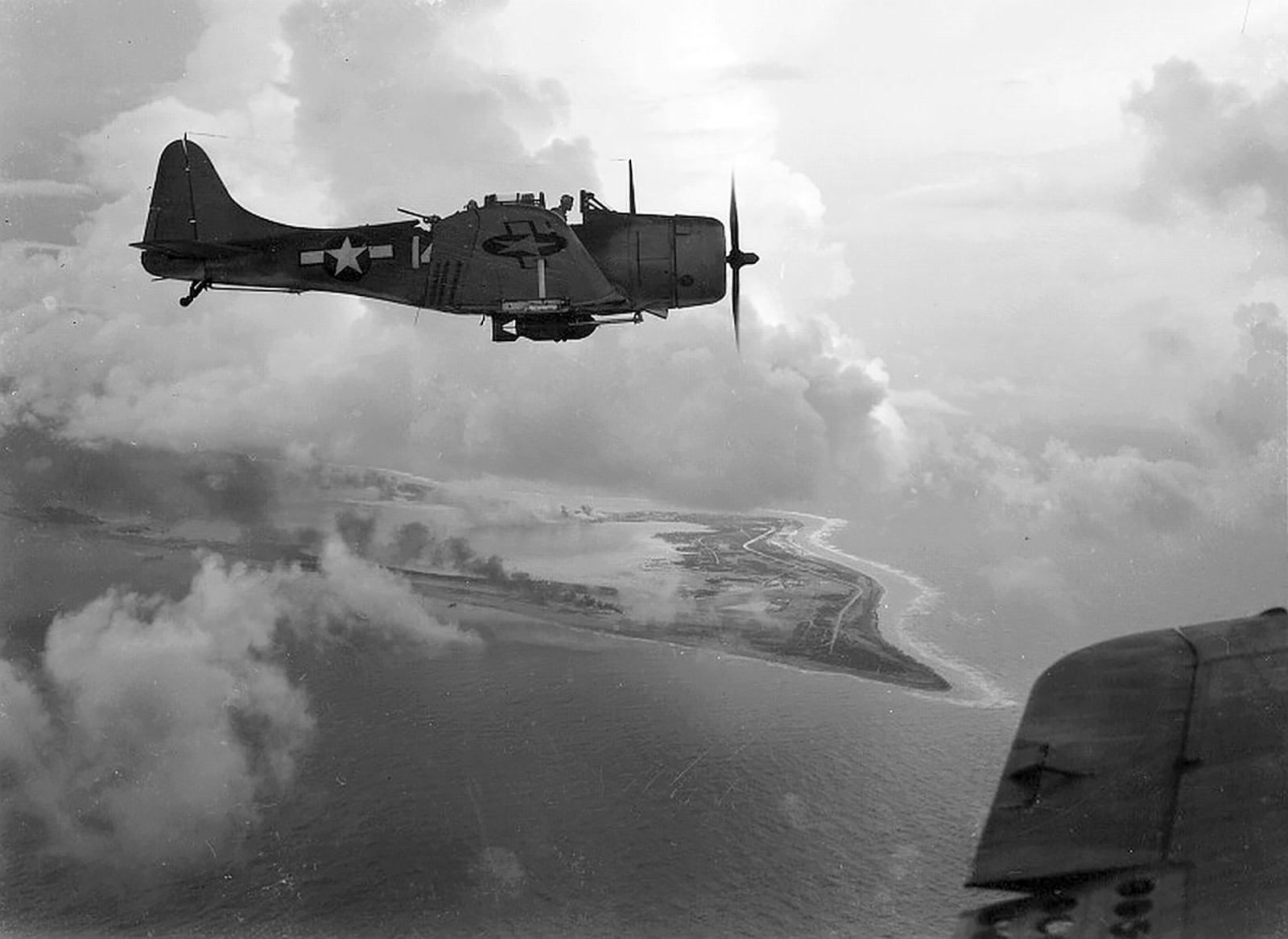 Douglas SBD 5 Dauntless over Wake Island 01