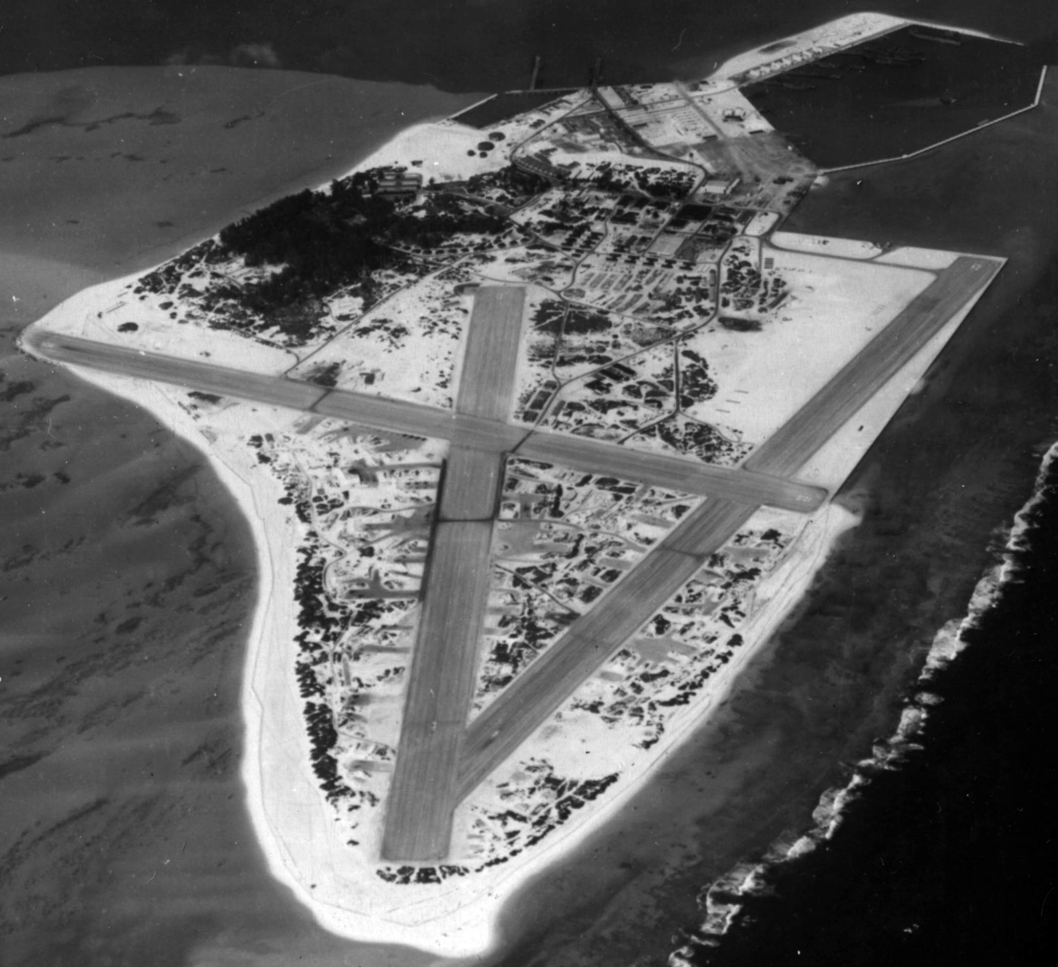 Airbase Naval Air Station Midway aerial photo 1945 01