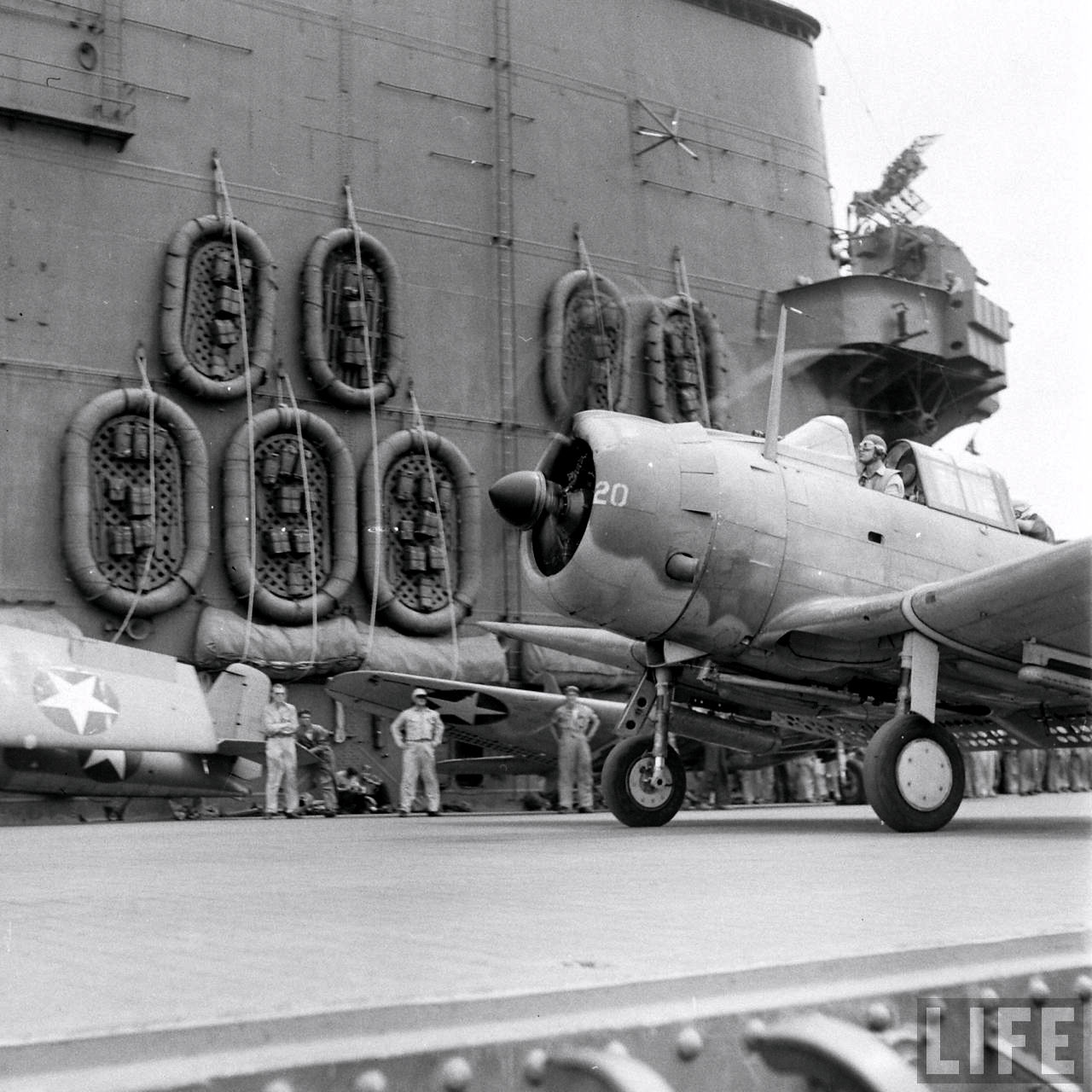 Douglas SBD 3 Dauntless White 20 taxing aboard a USS Carrier Sep 1942 01