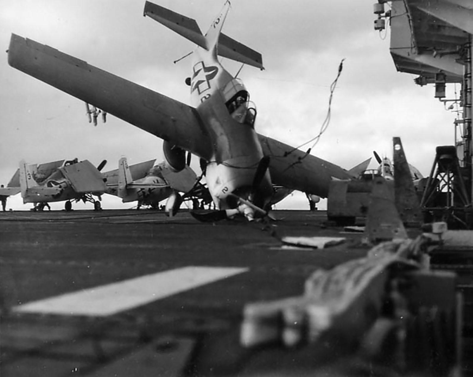 FM 2 Wildcat Black 2 landing mishap showing late war camuflage scheme 01