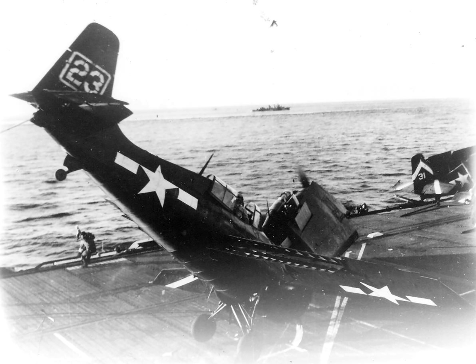 FM 2 Wildcat VC 75 White 23 landing mishap CVE 61 USS Manila Bay 1945 01