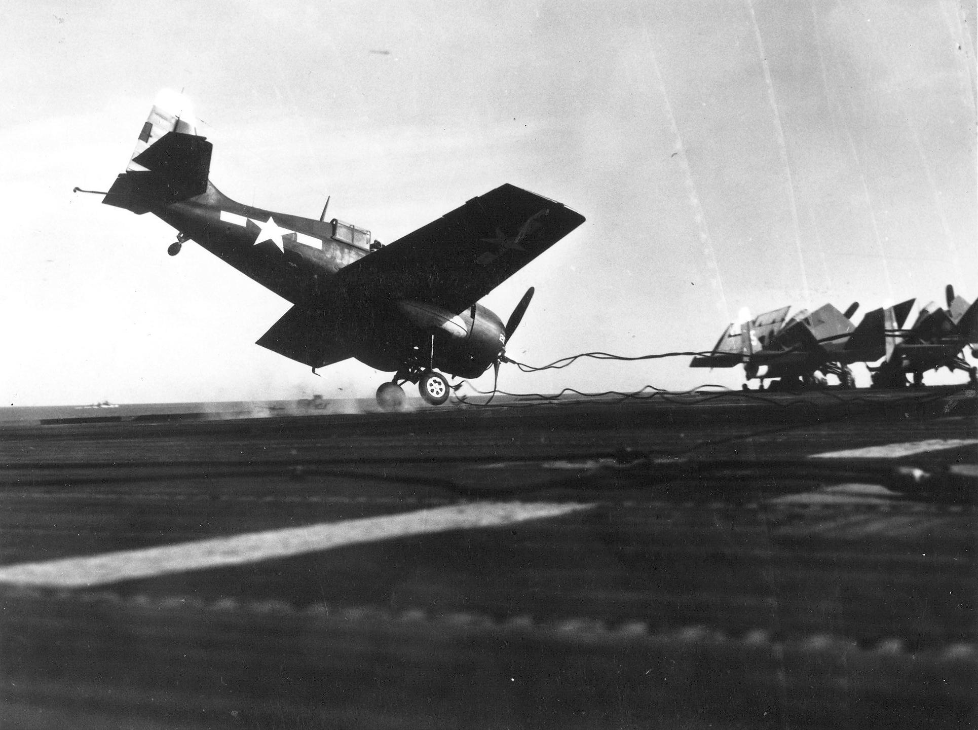 FM 2 Wildcat VC 81 White 21 landing mishap CVE 62 USS Natoma Bay 1944 01