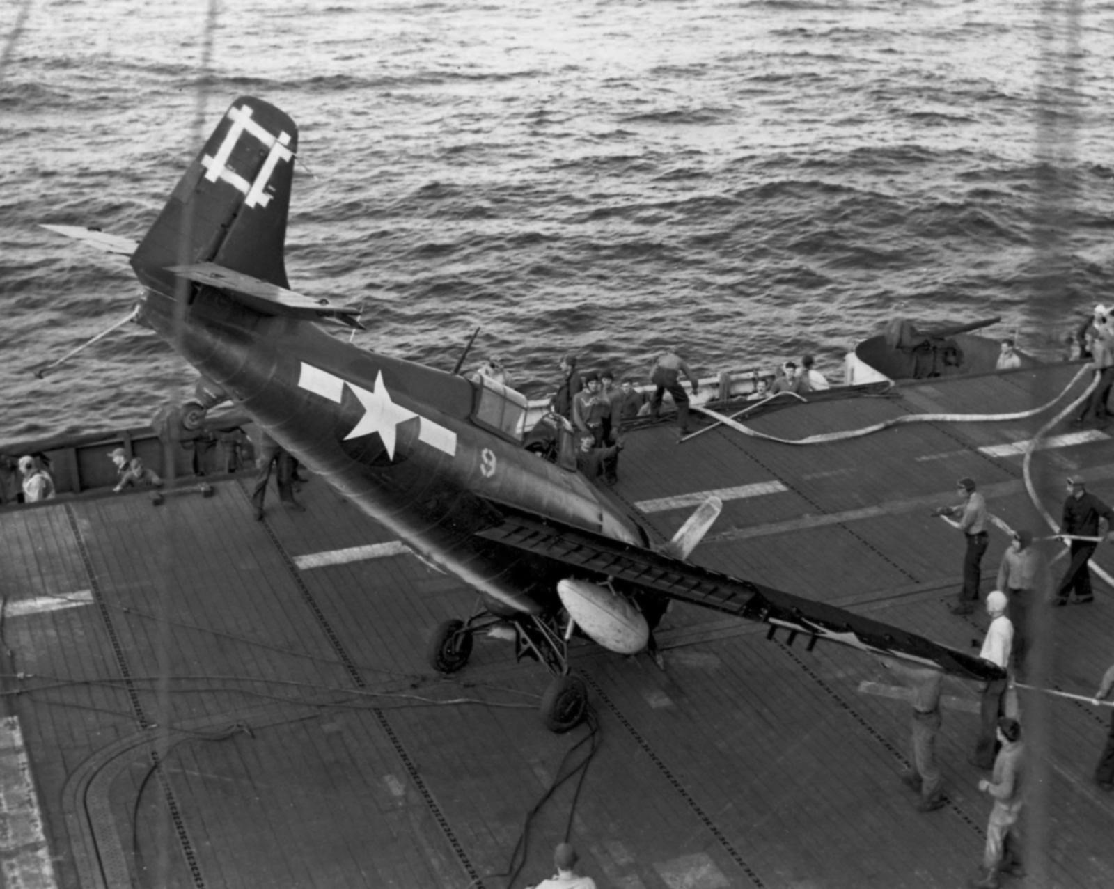 FM 2 Wildcat VC 96 White 9 landing mishap CVE 81 USS Rudyerd Bay 1st Apr 1945 01