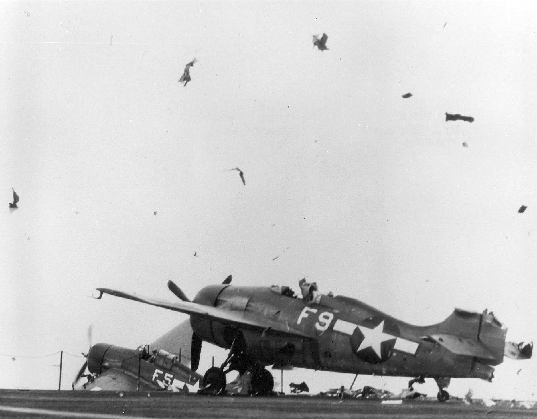 FM 2 Wildcat White F9 hit by a landing aircraft looses its rudder 01