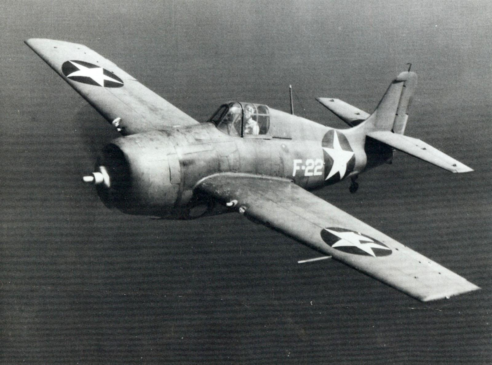 Grumman F4F 3 Wildcat White F22 in flight circa 1942 43 01