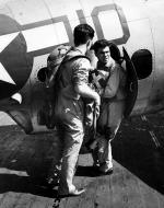 Asisbiz Aircrew TBF Avenger pilot Ensign R K Rountree Black 10 on deck photo series April 1944 01