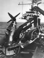 Asisbiz FM 2 Wildcat VC 86 White N10 landing mishap CVE 95 USS Bismarck Sea 1944 01