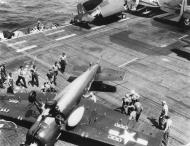Asisbiz FM 2 Wildcat VC 97 White 3 landing mishap CVE 91 USS Makassar 1945 01