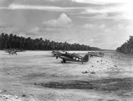 Asisbiz Grumman F4F 4 Wildcats VMF 441 on Nanumea Airfield Ellice Islands 23rd Oct 1943 01