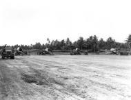 Asisbiz Grumman F4F 4 Wildcats VMF 441 on Nanumea Airfield Ellice Islands 23rd Oct 1943 02