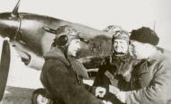 Asisbiz Aircrew Soviet 9GvIAP aces Vladimir Lavrinenkov (L) n Pavel Golovachyov get their Communist party cards Jan 1943 01