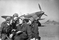 Asisbiz Yakovlev Yak 1 586IAP 318IAK female pilots GP Burdina,TU Pamyatnykh,VI Khomyakova n V Lisitsina Sep 1942 01
