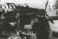 Asisbiz Yakovlev Yak 7B 18GvIAP White 22 slogan Latvian Shooter spring 1943 02