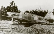 Asisbiz Yakovlev Yak 7V 115GvIAP 7GIAD slogan Tarybu Lietuva Pociunai airfield Lithuania 1943 01