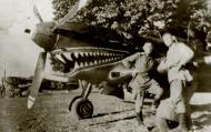 Asisbiz Yakovlev Yak 9 85GvIAP 6GIAD with Capt Mikhail S Mazan sqn CO and sharksmouth emblem 1944 02